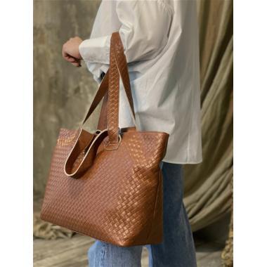 Женская кожаная сумка FLORIANA. Охра