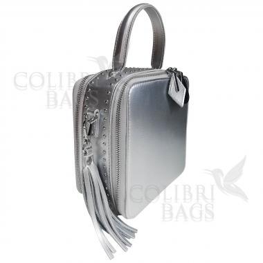 Женская кожаная сумка Quadro. Светлое серебро