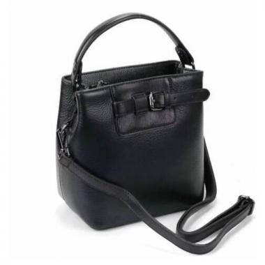 Женская кожаная сумка TERZA. Черный.