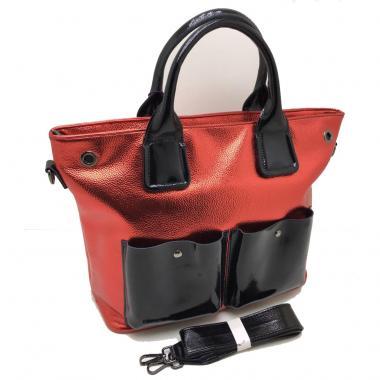 Женская кожаная сумка TOKA. Красный / Черный лак